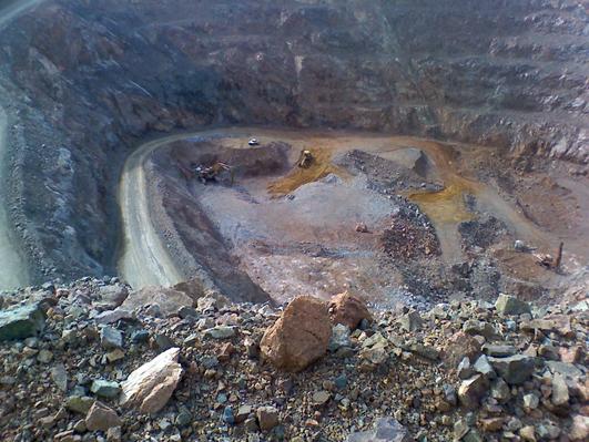 Cráter de la Mina San Gregorio, explotado por Orosur en Rivera.