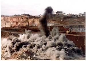 Las explosiones transforman el nitrato de amonio en óxidos nitrosos y ozono, que producen lluvia ácida y afectaciones de distinto grado en la salud humana.