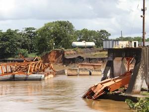 Derrumbe de terminal portuaria